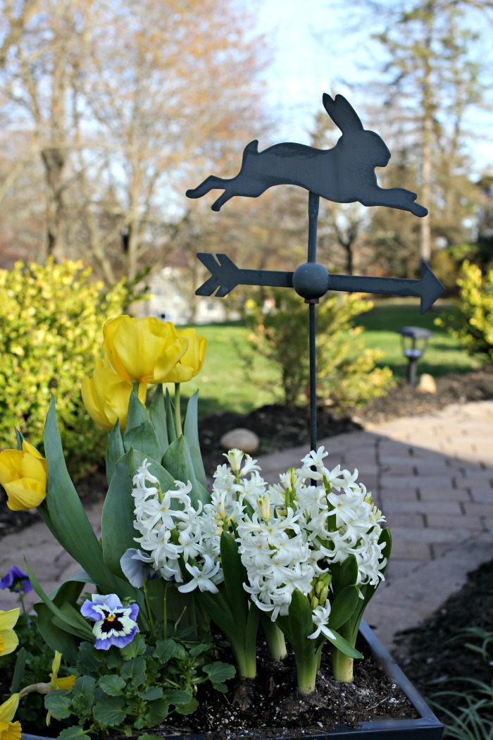 Target weathervane in planter - www.goldenboysandme.com