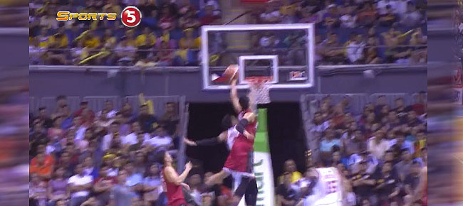 Japeth Aguilar with the Crazy MONSTER Block On Allein Maliksi (VIDEO)