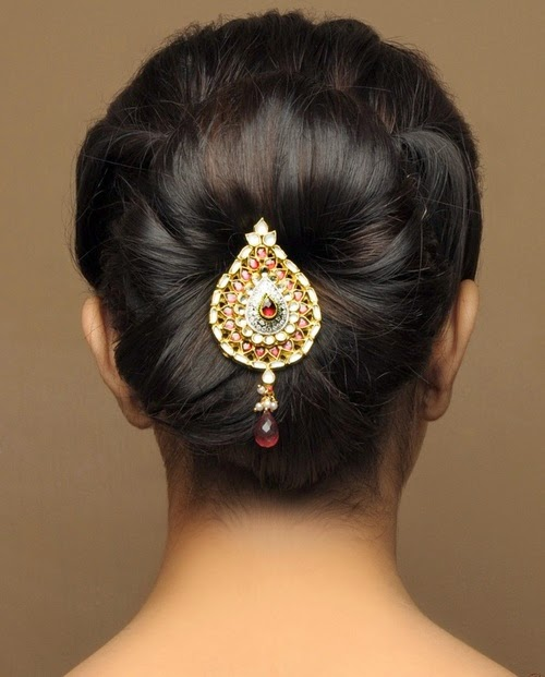 Hindu Bridal Hairstyles 14 Safe Hairdos For The Modern: Latest Bun And Messy Bun Hair Styles For Young Brides From