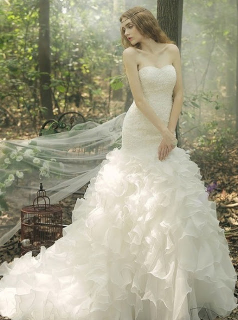 http://www.dressesofgirl.com/trumpet-mermaid-sweetheart-organza-court-train-cascading-ruffles-fashion-wedding-dresses-dgd00022669-5667.html?utm_source=post&utm_medium=DG6002&utm_campaign=blog