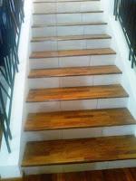 parket kayu untuk tangga rumah
