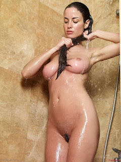 免费性爱照片 - Sexy Naked Girl Muriel - Shower
