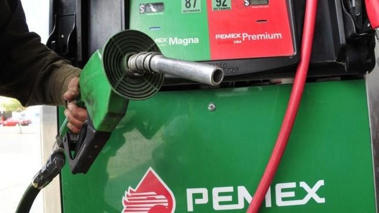 Cae 24% producción de gasolinas.
