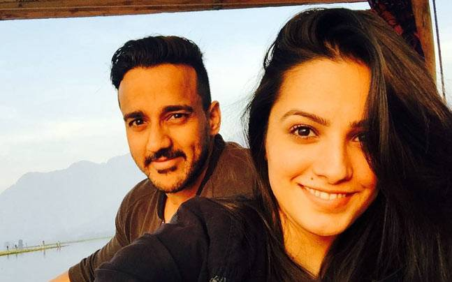 Anita Hassanandani's Birthday Wish For Husband Rohit Reddy Will Make You Smile. 6