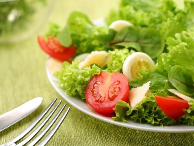 Para ajudar na dieta, veja 10 coisas simples que você pode modificar na sua cozinha para emagrecer. Confira.