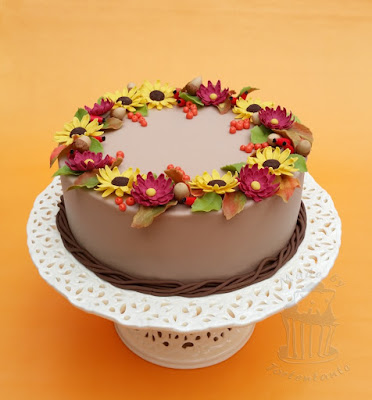 autumn cake with flowers
