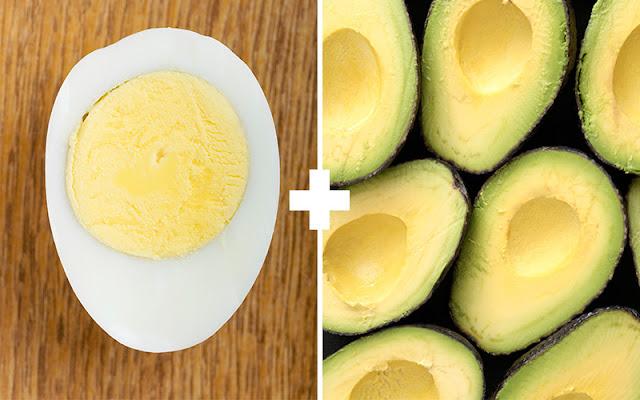 ovos cozidos com abacate