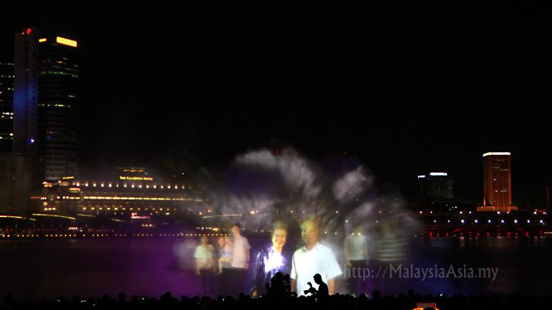 light and water show wonder full at marina bay sands malaysia
