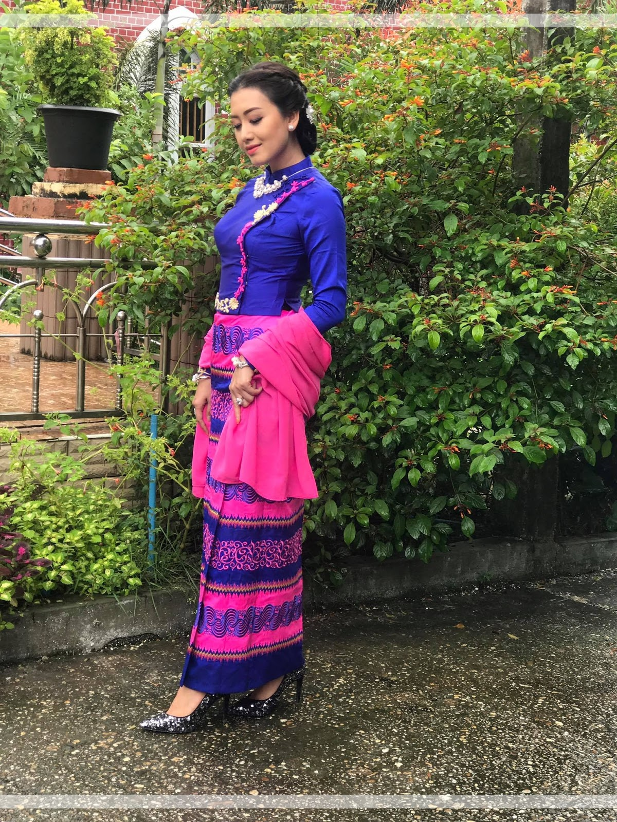 Yu Thandar tin Blue and Pink Color Outfit Style Burmese Dress