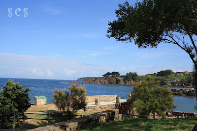 Isla Santa Cruz, Oleiros by Susana Cabeza