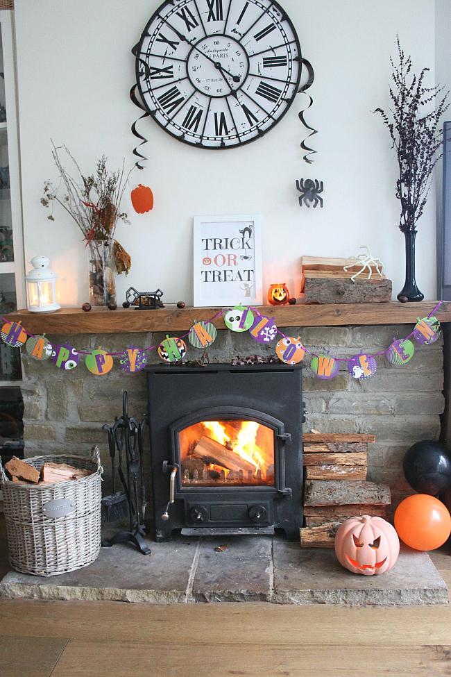 Autumn Inspired Mantelpiece, Halloween Inspired Mantelpiece