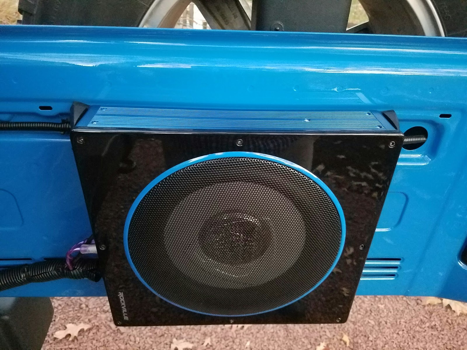 Randomly Learned Inexpensive Compact Subwoofer And Amp For 2 Door Jeep Wrangler Jk Rear Sub Parts List A Amplifier Install Of 1 Rockville 10 800 Watt Slim Profile 115