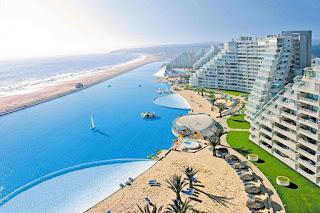La piscina más grande del mundo esta en Chile