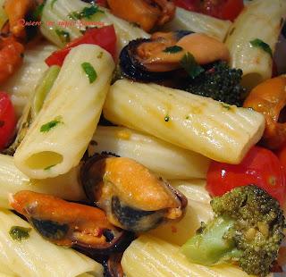 https://cosas-mias-y-demas.blogspot.com.es/2014/05/pasta-con-mejillones.html