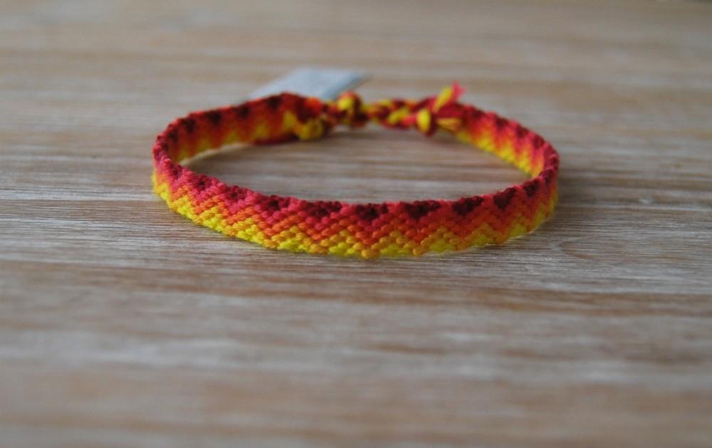 fil bracelet brésilien