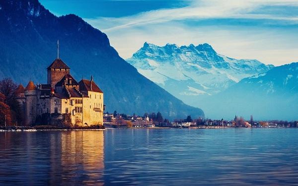 Danau Geneva, Swiss atau Perancis