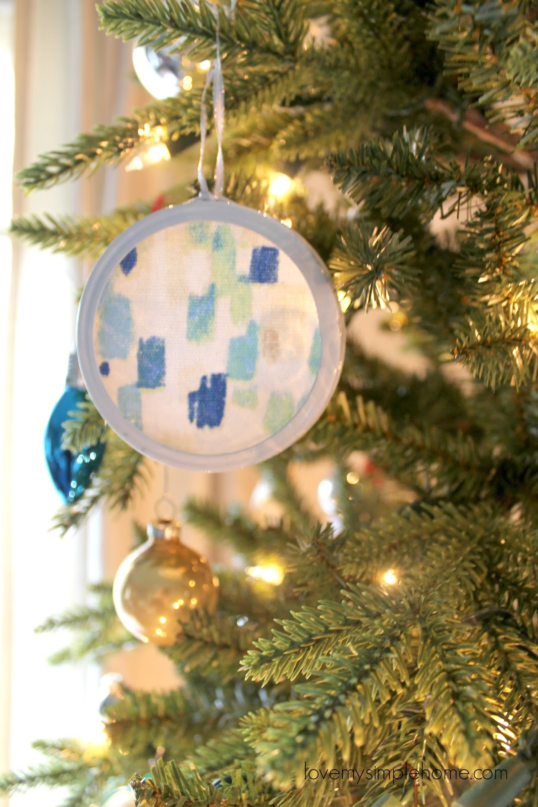 hang the ornaments on a lit or unlit christmas tree the ornaments add sparkle to the tree when hung in front of the lights or give as a gift wrapped - How To Make My Own Christmas Decorations