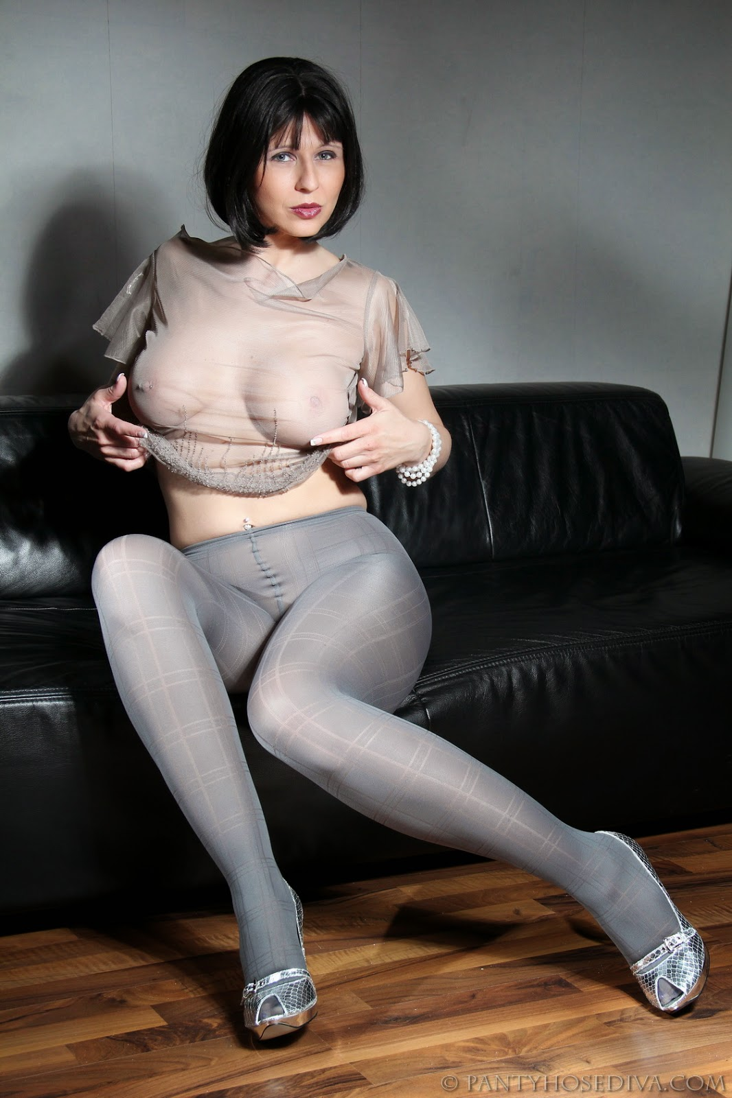 Matures And Pantyhose Results 56