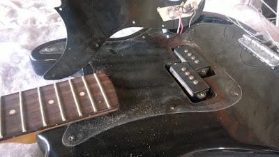Luthier, conserto, reparo, manutenção de instrumentos musicais.