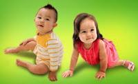 Cara Mudah Membersihkan Telinga Bayi