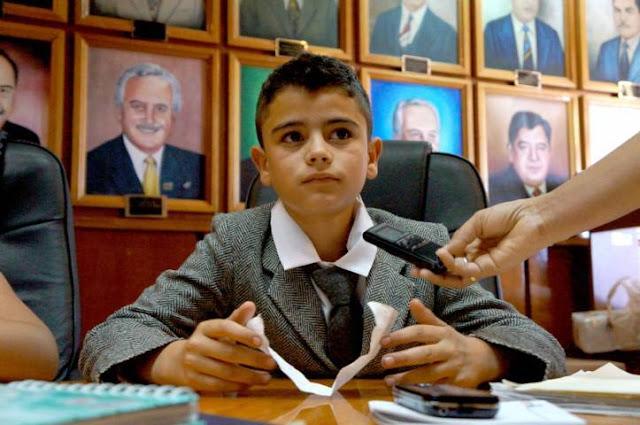 """Niño Presidente"" Propone 20 Frases Que Deberías Decir Más Seguido"