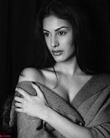 Amyra Dastur Cute Innocnet Beauty pics 021.jpg