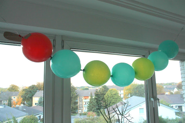 Ballon Balloons Raupe Nimmersatt Geburtstag Hungry Caterpillar Eric Cale Jules kleines Freudenhaus