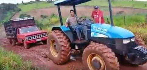 Palmital: Agricultores reclamam das estradas rurais