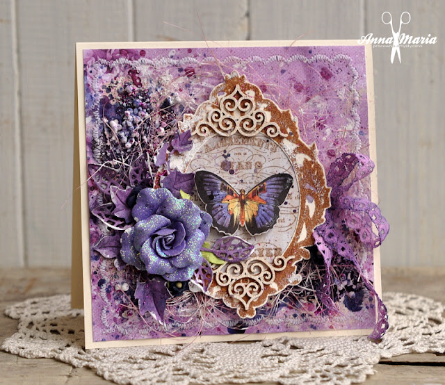 Fioletowa kartka z motylem