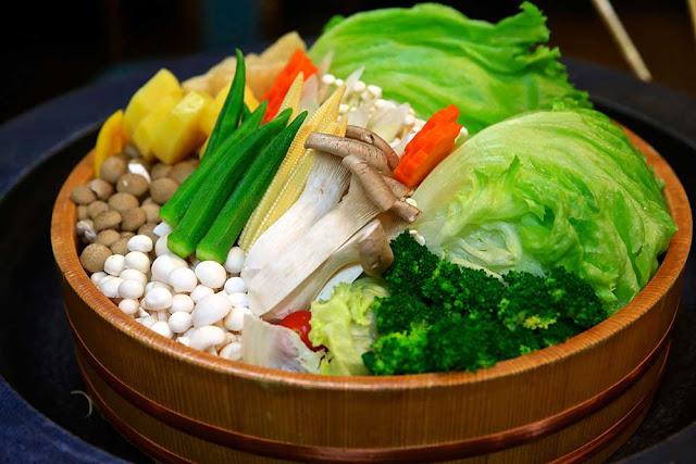 南洲館的熊襲鍋,提供很多鹿兒島自產產蔬菜