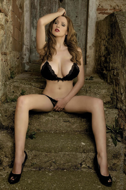 hot-Jordan-Carver-Last-Night-sexy-photoshoot-HD-Image-10