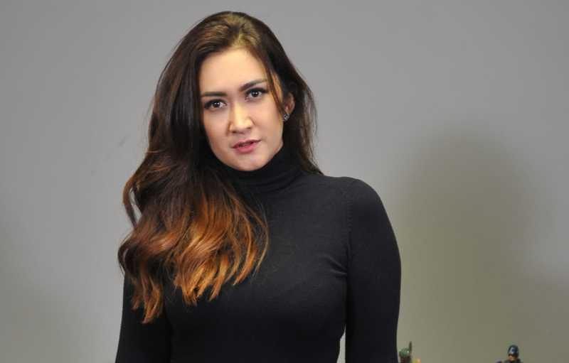 Profile dan Biodata Nafa Urbach