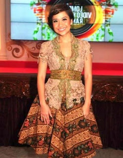 Dress batik kombinasi brokat modis