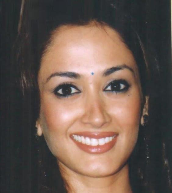 Top All Wallpapers: Bollywood Actress Gayatri Joshi In ...