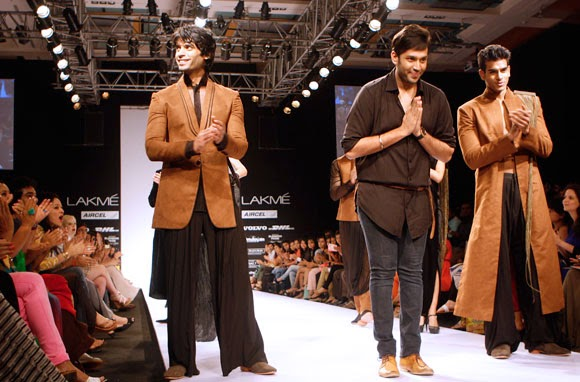 Trendy Mannequin Nikhil Thampi The Upcoming Designer