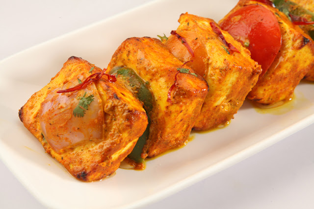 http://www.indianlazizkhana.com/2016/06/amritsari-paneer-tikka-recipes-in-hindi.html