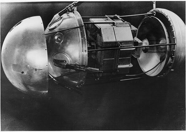 Sputnik-1 aberto.