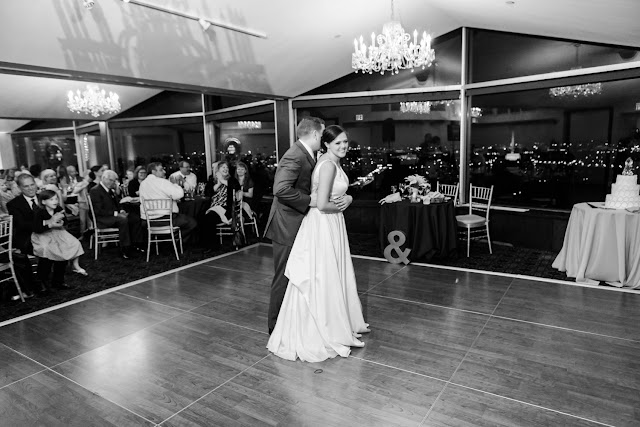 A classic Washington, DC wedding at St. Aloysius church and Top of the Town by Heather Ryan Photography