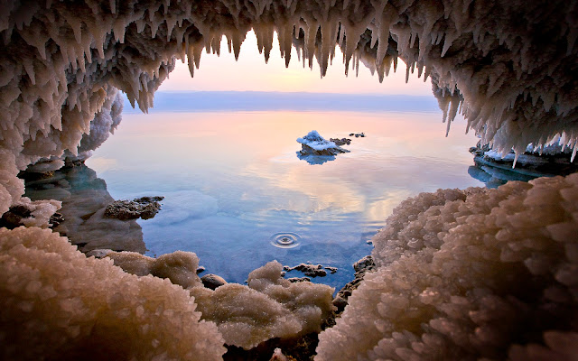 http://www.softstills.com/2014/10/ice-cave-in-sea-hd-wallpaper-nature.html