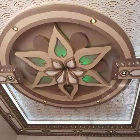 Floral décoration en plâtre