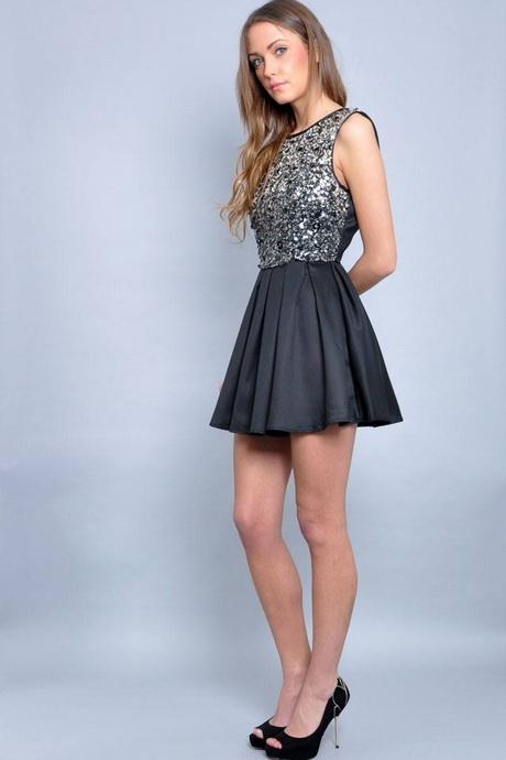 vestido corto a la moda