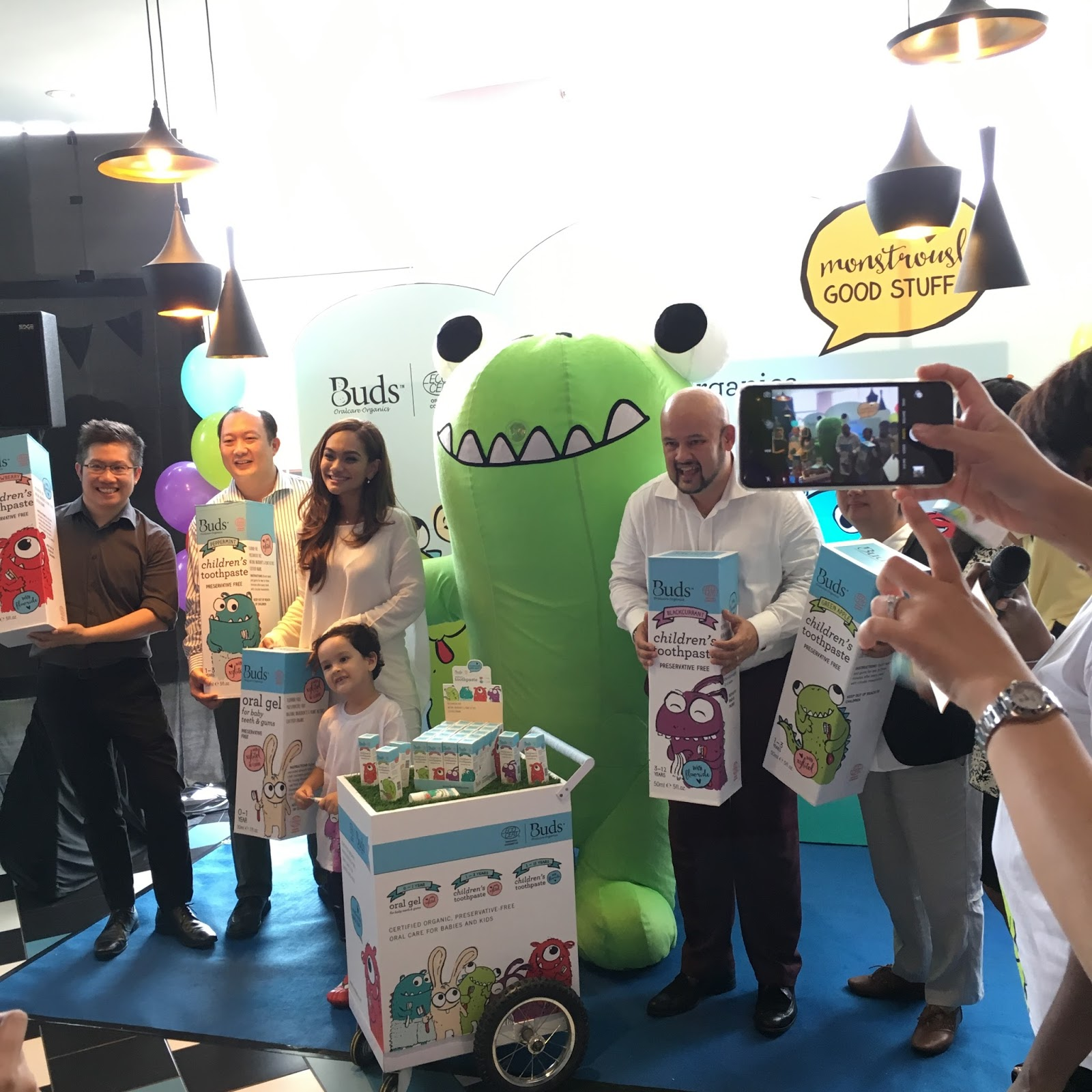Buds Oralcare Organics Toothpastes Childrens Toothpaste 50ml 3 12 Year Green Apple Also Invited Dr Bernard Low Orthodontist Mr Kk Soo The Co Founder And Rd Director To Further Explain About
