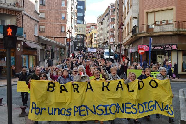 protesta de jubilados y pensionistas en favor de las pensiones públicas