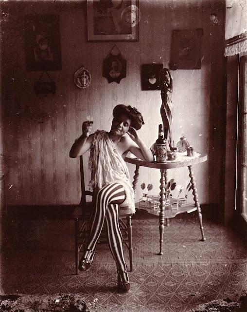 Πόρνη στη Συνοικεία των Κόκκινων Φώτων της Νέας Ορλεάνης / New Orleans' Storyville prostitute