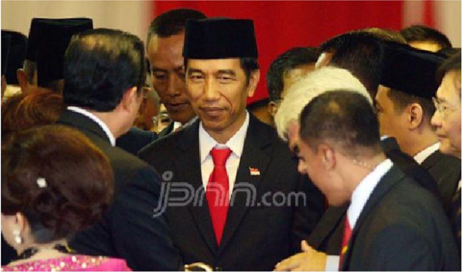 """Berita Siang Ini Menggegerkan !! Seluruh Rakyat RI Minta Jokowi jadi Presiden Seumur Hidup Karena Sejarah Baru yang Berhasil Dicetak Oleh Jokowi Dalam Tiga Tahun Ini """" Membuat Rakyat RI Puas Dengan Kinerja Jokowi """" Bagaimana Menurut Anda ?"""