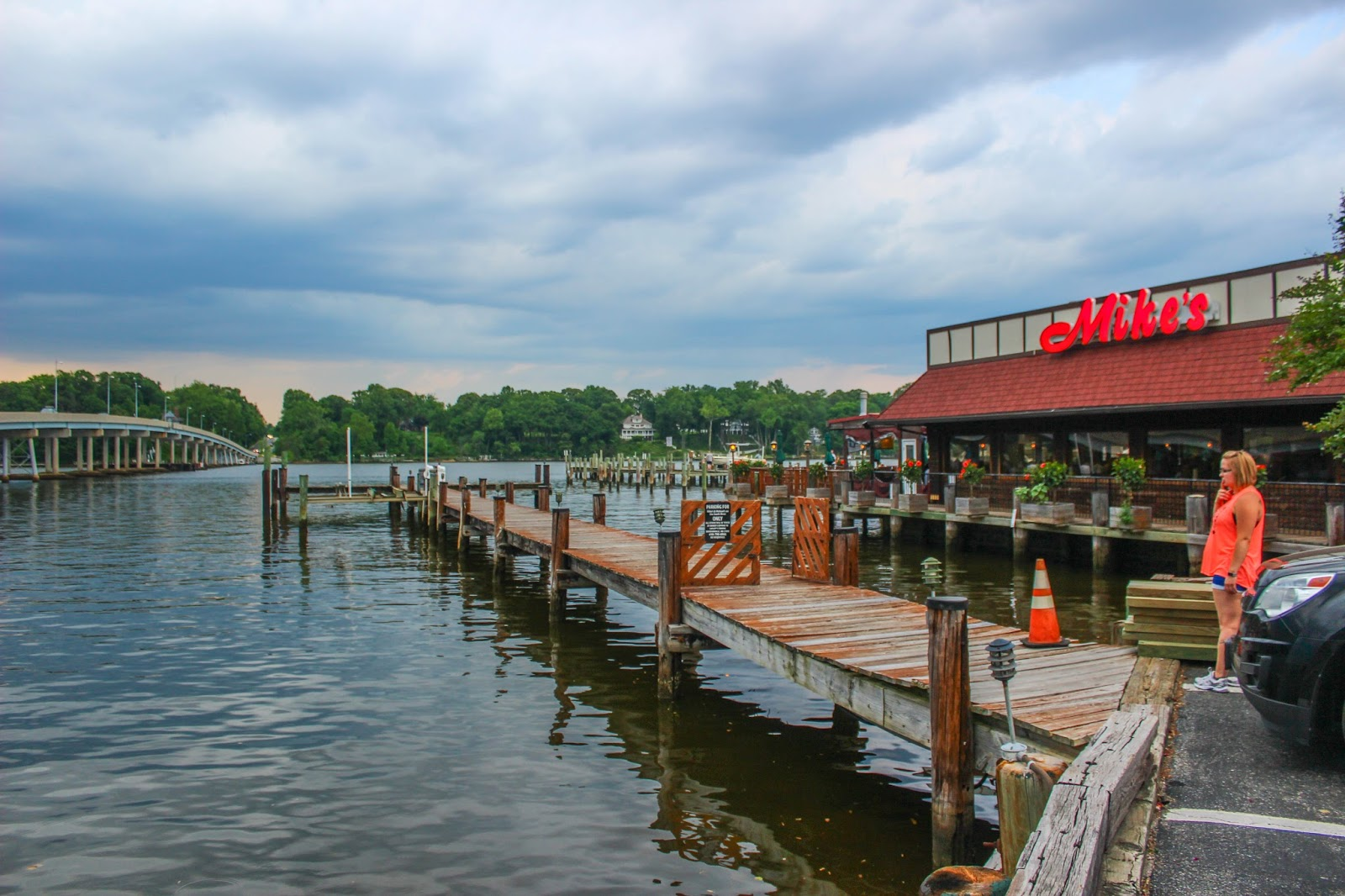 Mikes crab house riva md