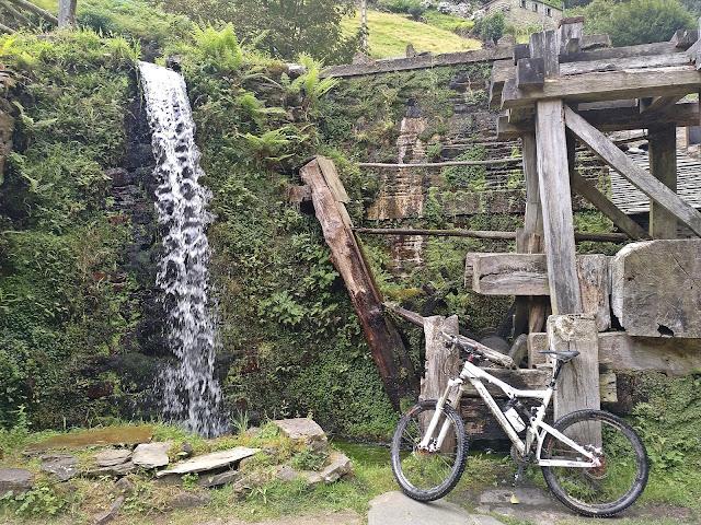 Ruta por los Balcones del agua en Taramundi
