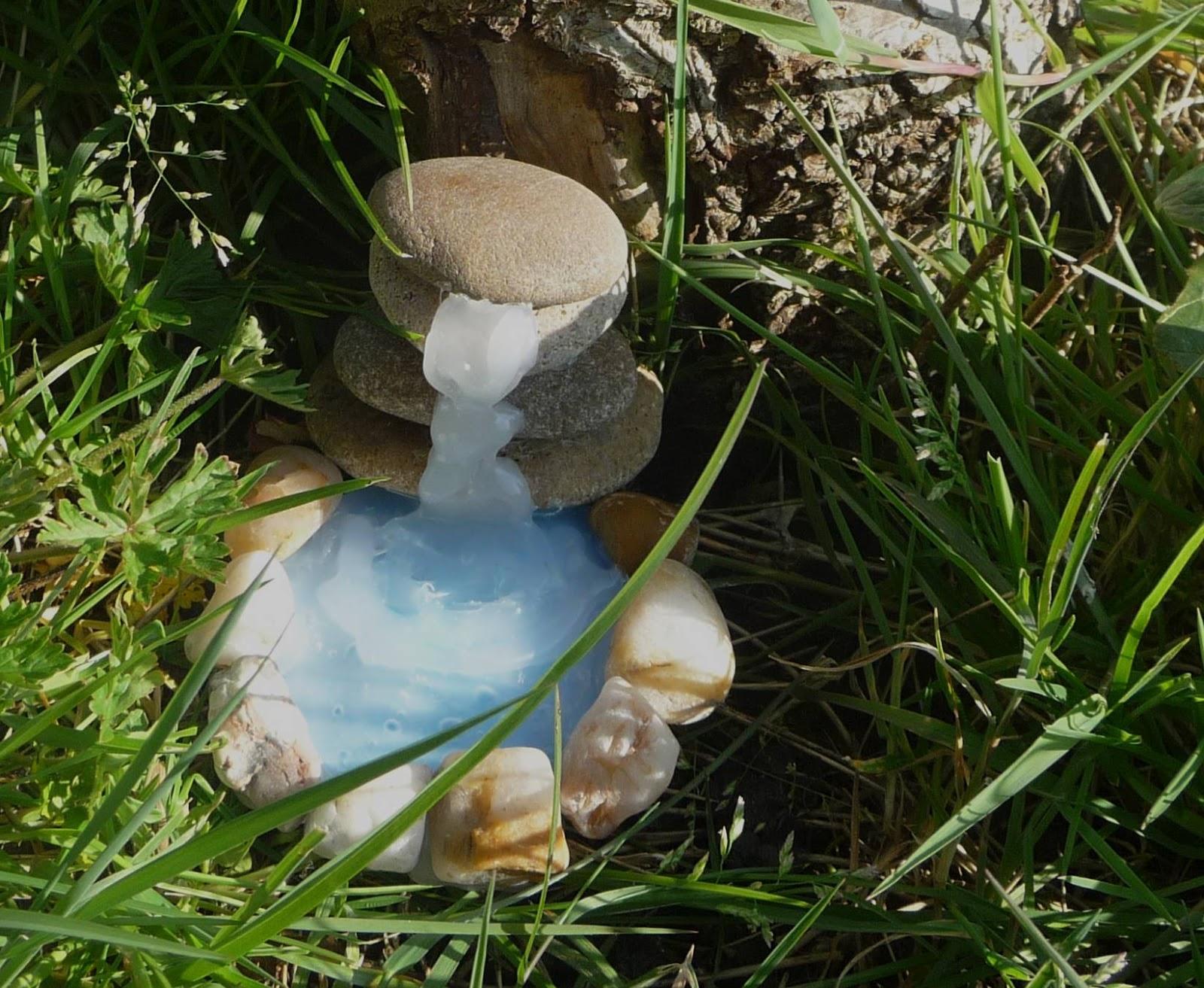 Fabriquer Une Fontaine Zen cuillère, aiguille et scie sauteuse: cascade miniature diy