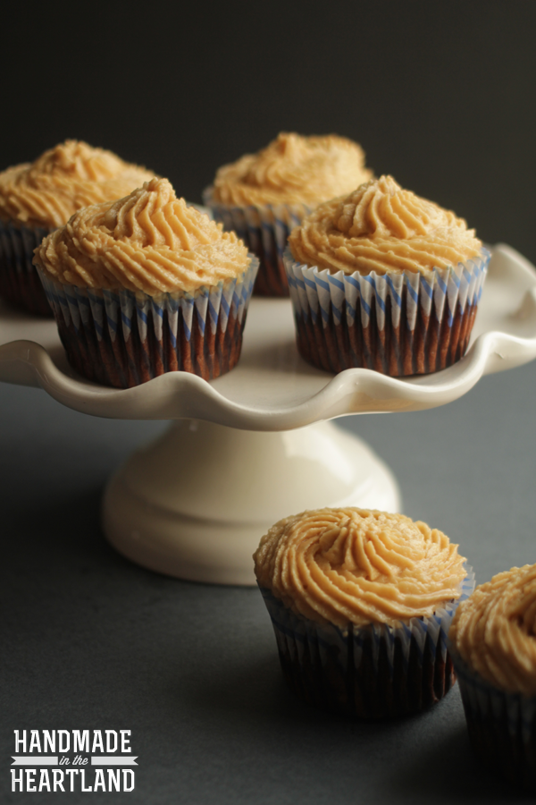 Chocolate Banana Cupcakes with Peanut Butter Icing