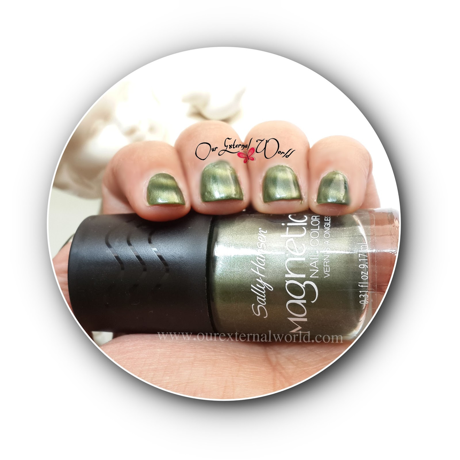 Sally Hansen Magnetic Nail Polish - 907 Electric Emerald - Review ...